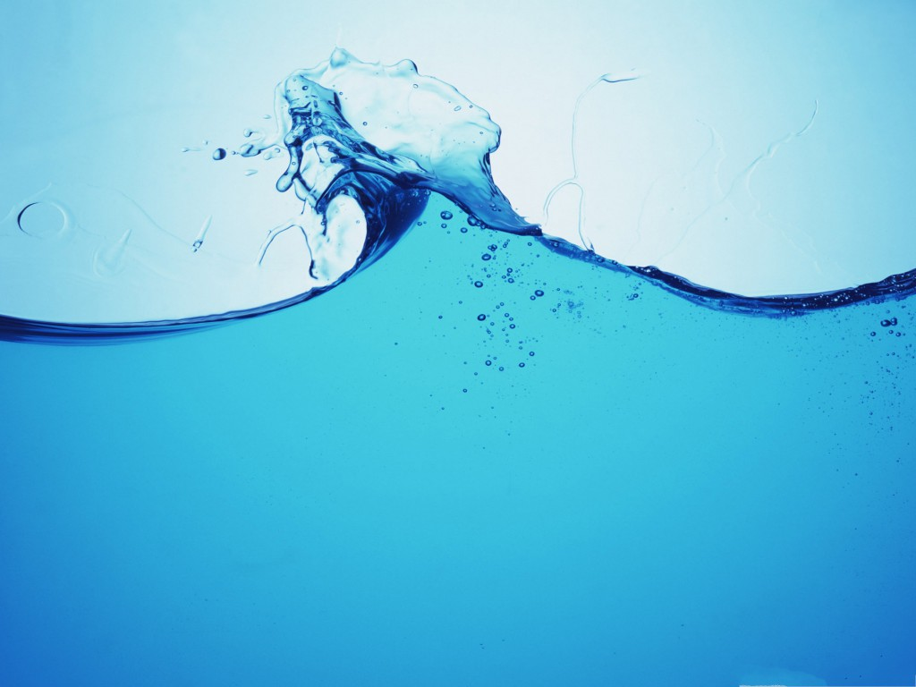 Free-Water-Splash-Waterpaper-Blue-Water-in-Dance-Incredible-Look